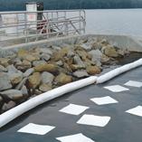 OElbindevlies-Tuecher-Wasserbereich-im-Einsatz-1-3